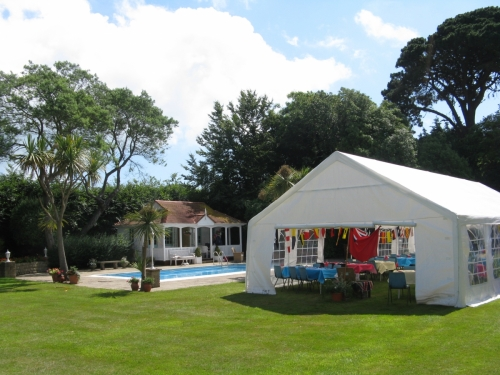 2016 GARDEN PARTY - A new venue: Forelands House, Bembridge. Courtesy of Mrs Sybil Snelling.