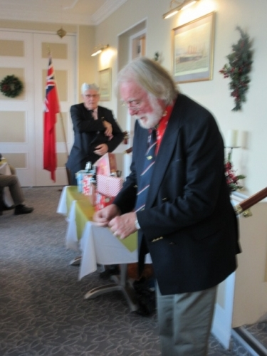2019 CHRISTMAS RAFFLE Richard de Kerbrech and Peter Hedley officiate