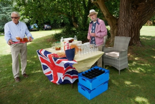 2019 Garden Party - Barman and wine waiter