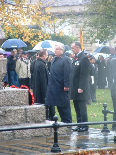 Remembrance Day 2010 - Henry Wrigley laying the MMW wreath at the Cowes War Memorial.